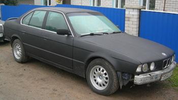 Полная оклейка BMW 5 в пленку 3D Carbon