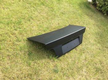 Оклейка багажника BMW 3 в черный 3D карбон