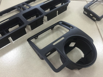 Покрытие жидкой резиной элементов интерьера  WV Bora